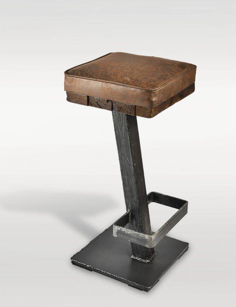 Gastronomie Barhocker aus Holz & Stahl - Barrique Möbel