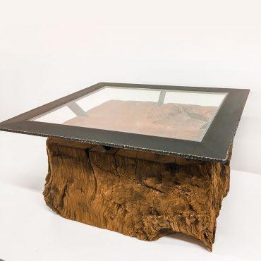 Barrique Couchtisch aus Altholz mit Glasplatte
